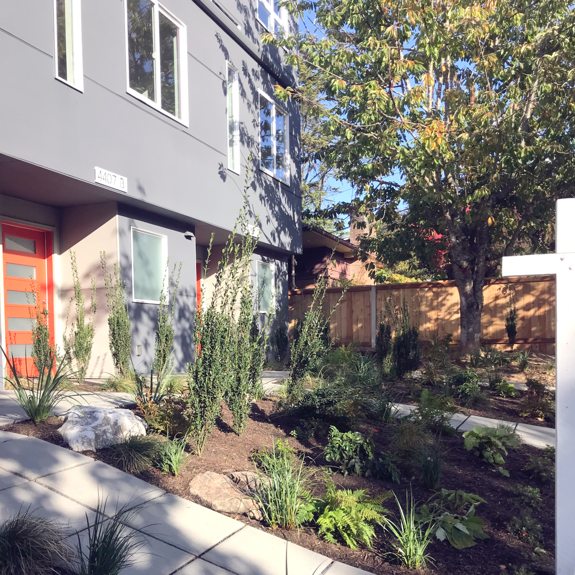 Chieftan LLC: West Seattle 4-Star Townhome exteriors