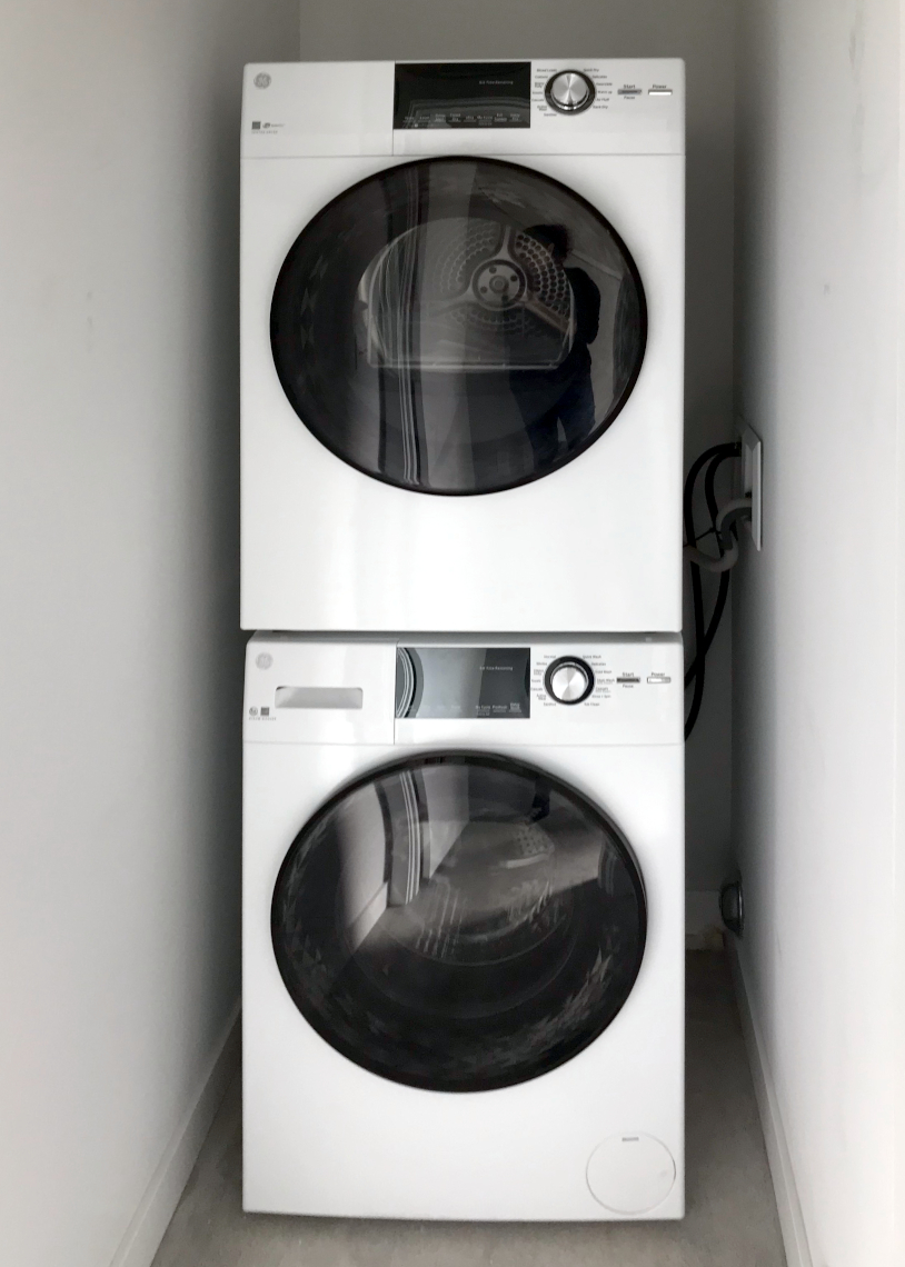 Chieftan LLC: West Seattle 4-Star Townhome laundry
